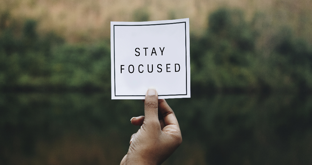 Sign saying stay focussed for weight loss motivation